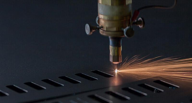 دقت در برش لیزری فلز